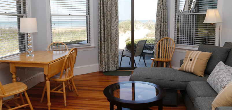 Cape Cod Waterfront Apartment