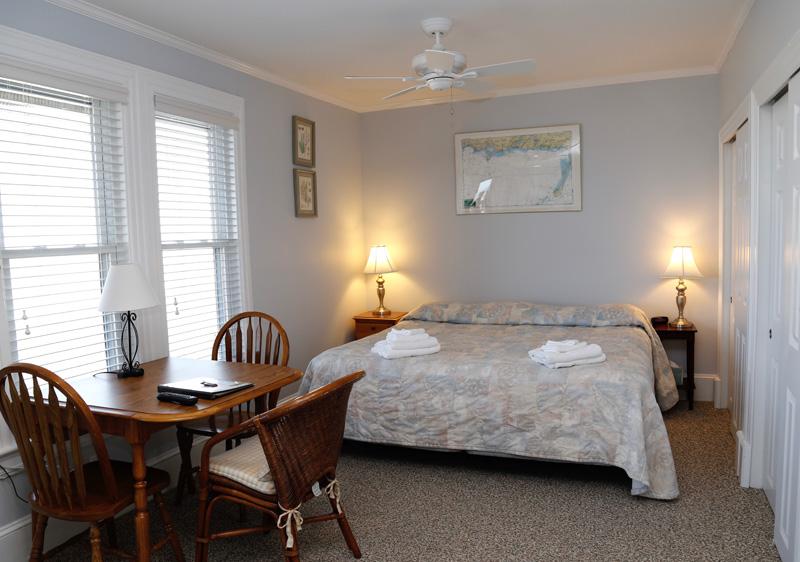 Cape Cod Waterfront Apartment 5