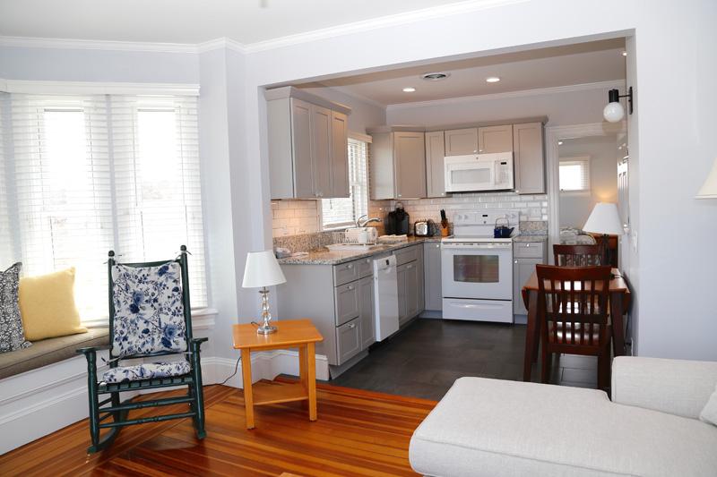 Cape Cod Waterfront Apartment 6